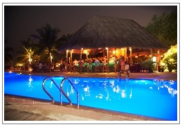 Pool Bar Kuredu Island Resort