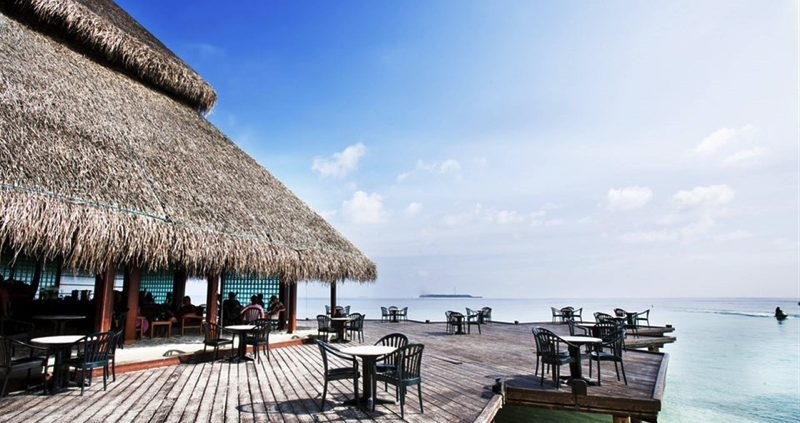 Adaaran Resorts - Club Rannalhi bar