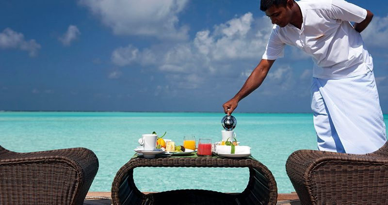Constance Resorts Maldives - serving food