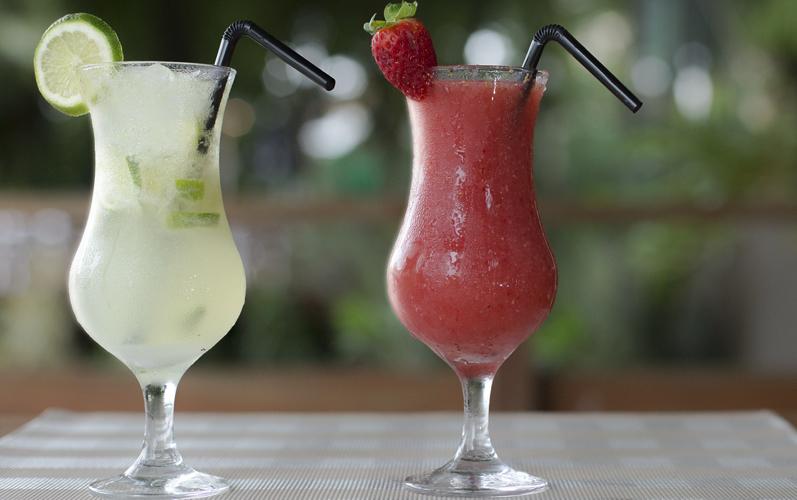 cocktails at Joali