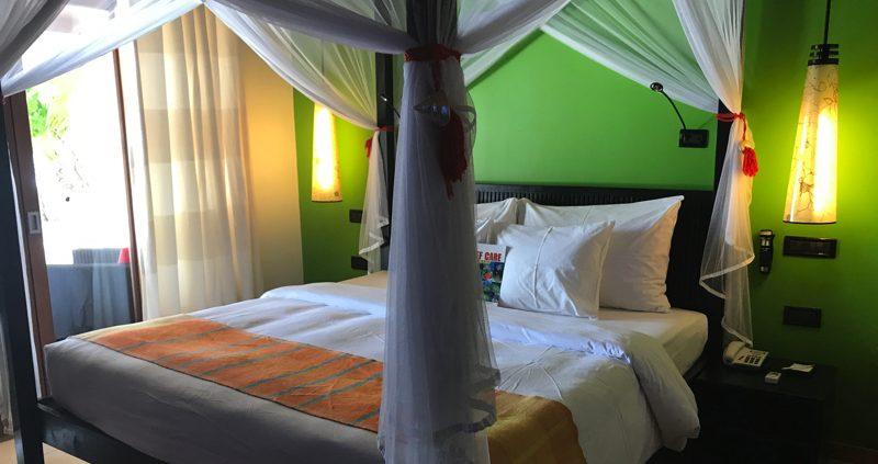 Vilamendhoo Island Resort Beach Villa interior