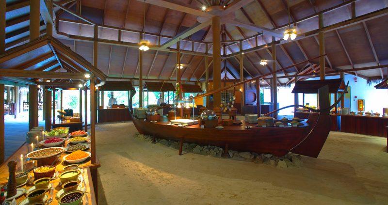 Fiitheyo Island Resort restaurant