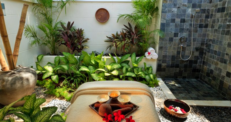 Kurumba Island Maldives spa treatment room
