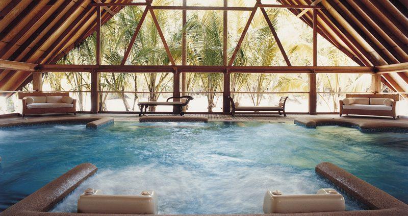 Hydrotherapy pool at Cocoa Island Resort Maldives