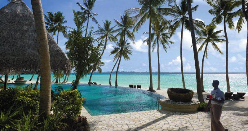 Endheri Infinity Pool, at Shangri-La's Villingili Maldives