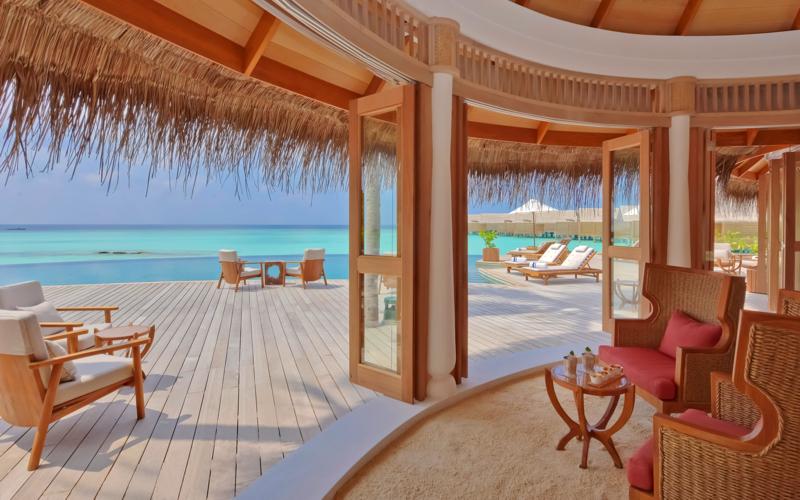 Milaidhoo Island Resort Maldives - Compass Pool Bar