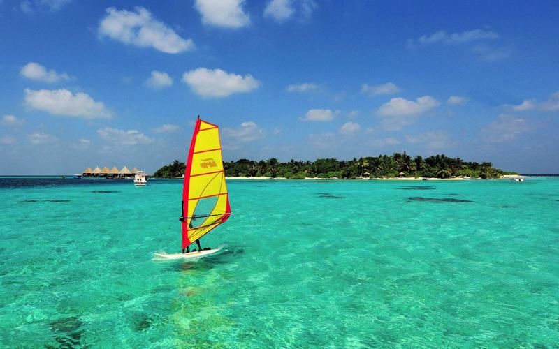 water sports at velidhu island resort