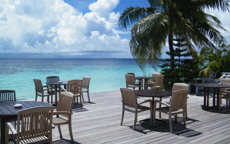 bar on the beach at Velidhu resort