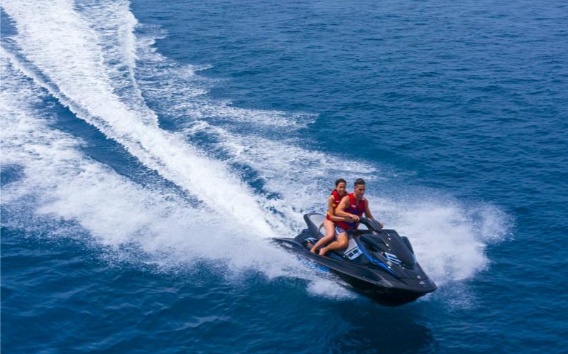Pullman Maamutaa Island Resort - Jet ski