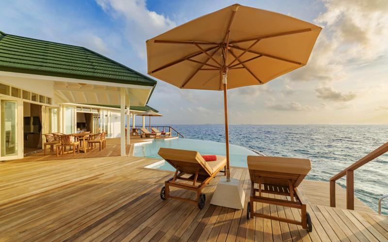 Sun Siyam World Water Villa with pool 800